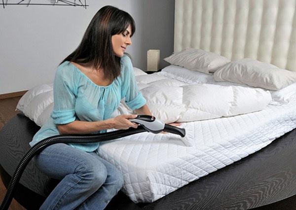 Vệ sinh giường nệm tại nhà