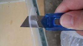 Cách tẩy keo Silicon dán kính tại nhà chắc chắn thành công